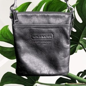 Coach cowhide black leather crossbody pouch